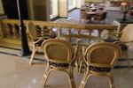 Мебели от естествен ратан за заведения