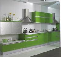 Кухня в зелено и сребристо
